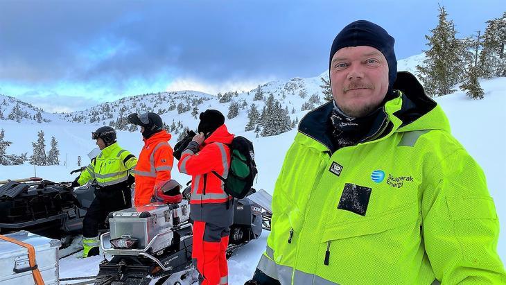 Energioperatør Jørn Bratvold i driftsområde Valdres på snøskredkurs på Lifjell.  Foto: Ellen Esborg